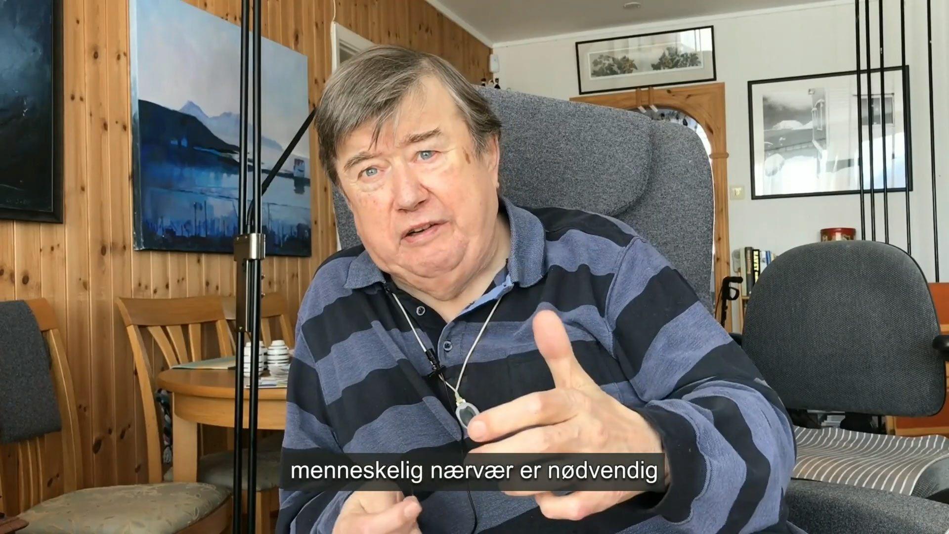 Pasient Sigurd Stenersen. Skjermbilde fra video av Nasjonalt senter for e-helseforskning.