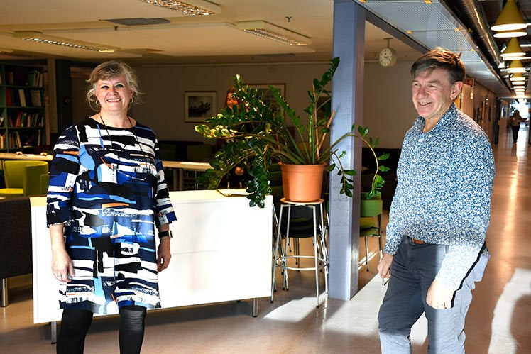 Lytt til podcasten hvor prosjektleder Gro Rosvold Berntsen i 3P – Pasienter og profesjonelle i partnerskap, intervjuer Vinjar Fønnebø, instituttleder for samfunnsmedisin ved universitetet i Tromsø og tidligere leder for NAFKAM. (Foto: Rune Stoltz Bertinussen)