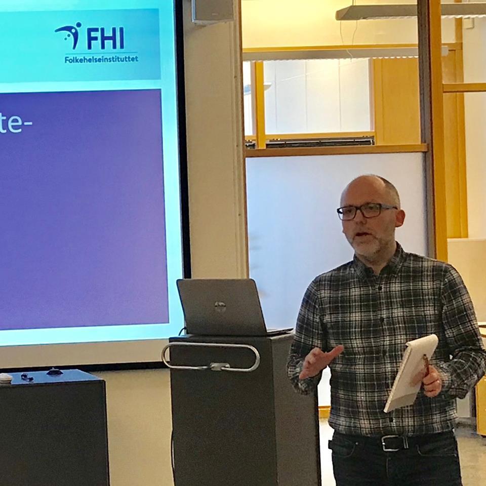 Kjetil Telle, fagdirektør ved Folkehelseinstituttet, inviterer til samarbeid.
