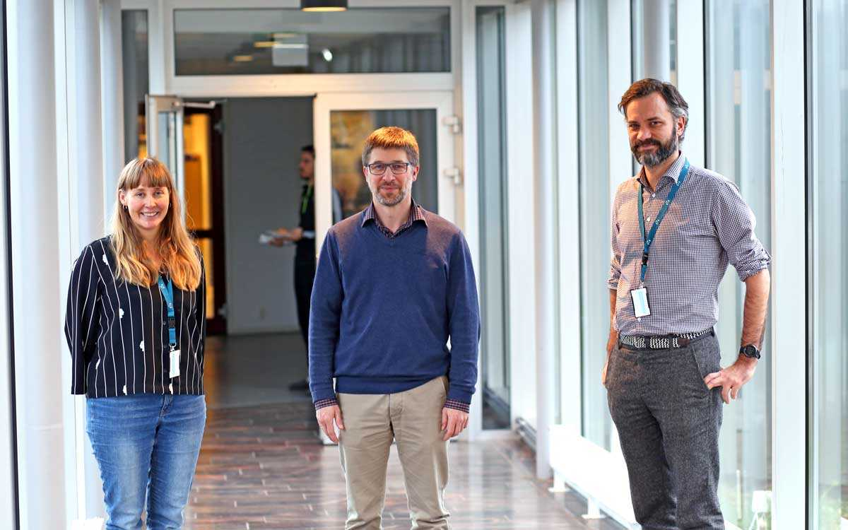 Partners in six countries will develop an app to prevent NCD's. From left: Merethe Drivdal, Thomas Schopf (project coordinator) and centre director Stein Olav Skrøvseth at the Norwegian Centre for E-health Research. Photo: Lene Lundberg