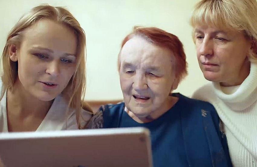 Skaper rom som tilpasses minnene og livene til personer med demens og deres familie. Illustrasjon: Colourbox